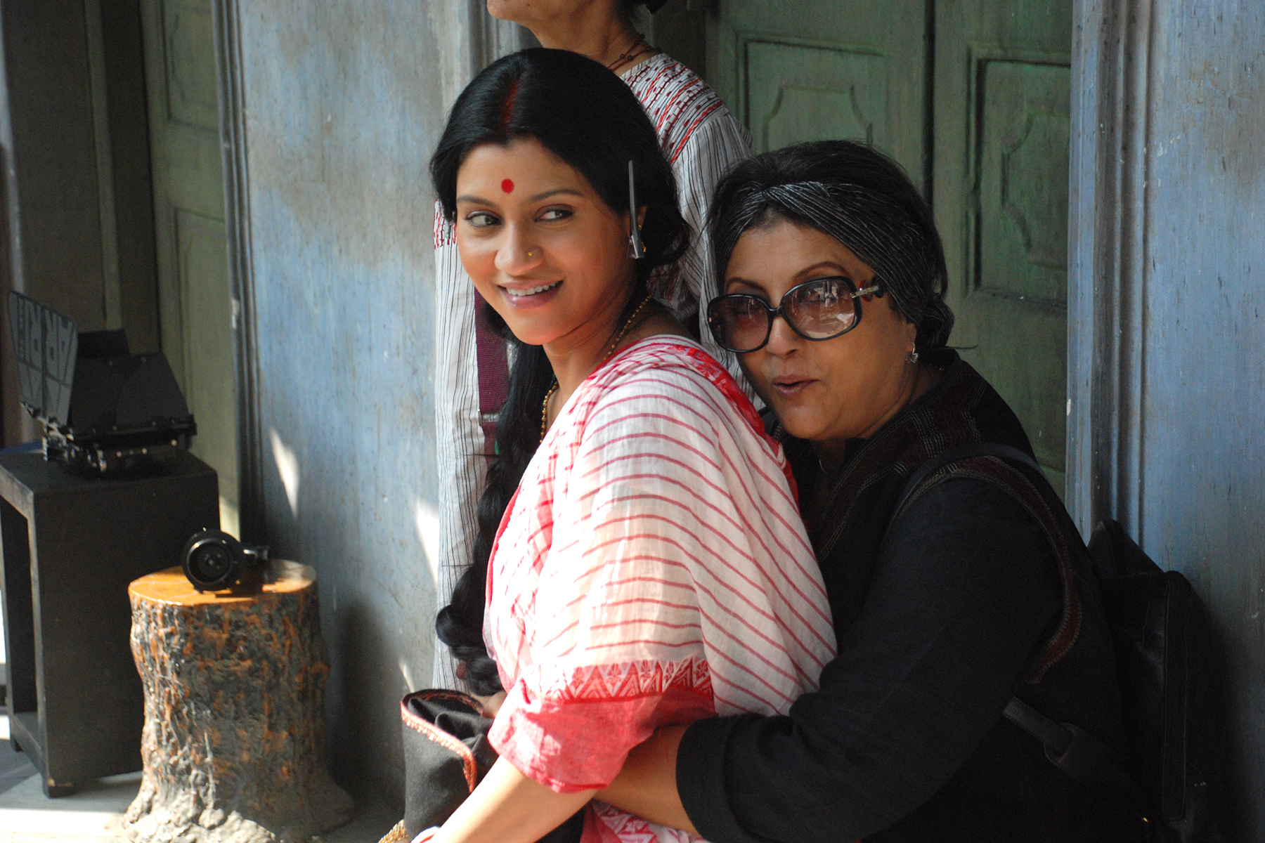 ML_Konkona&Aparna_Picture(2)